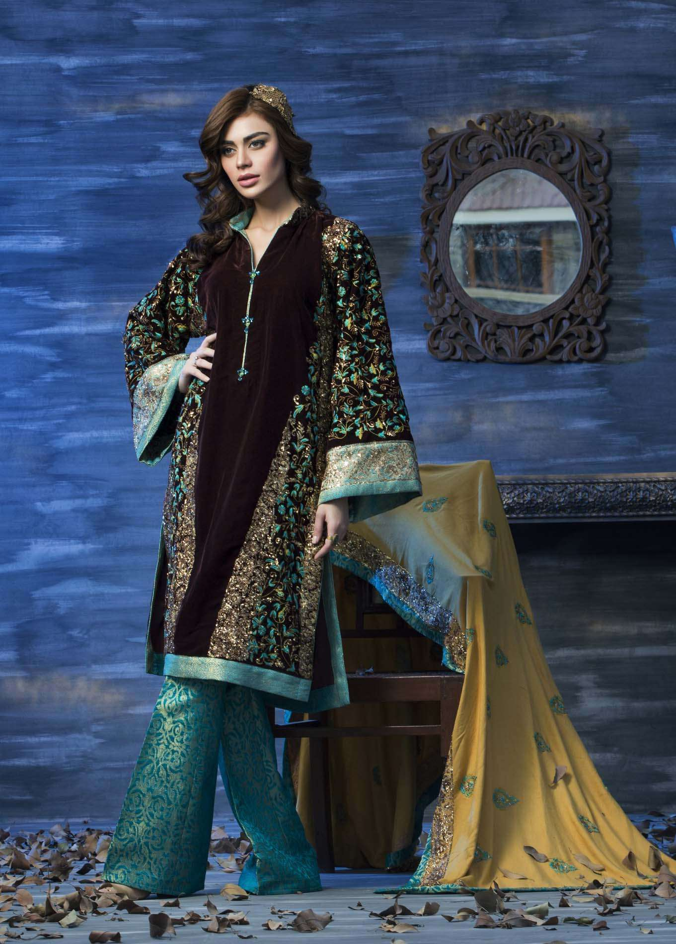 Aamna Aqeel Embroidered Velvet Unstitched 3 Piece Suit AAV17W 02