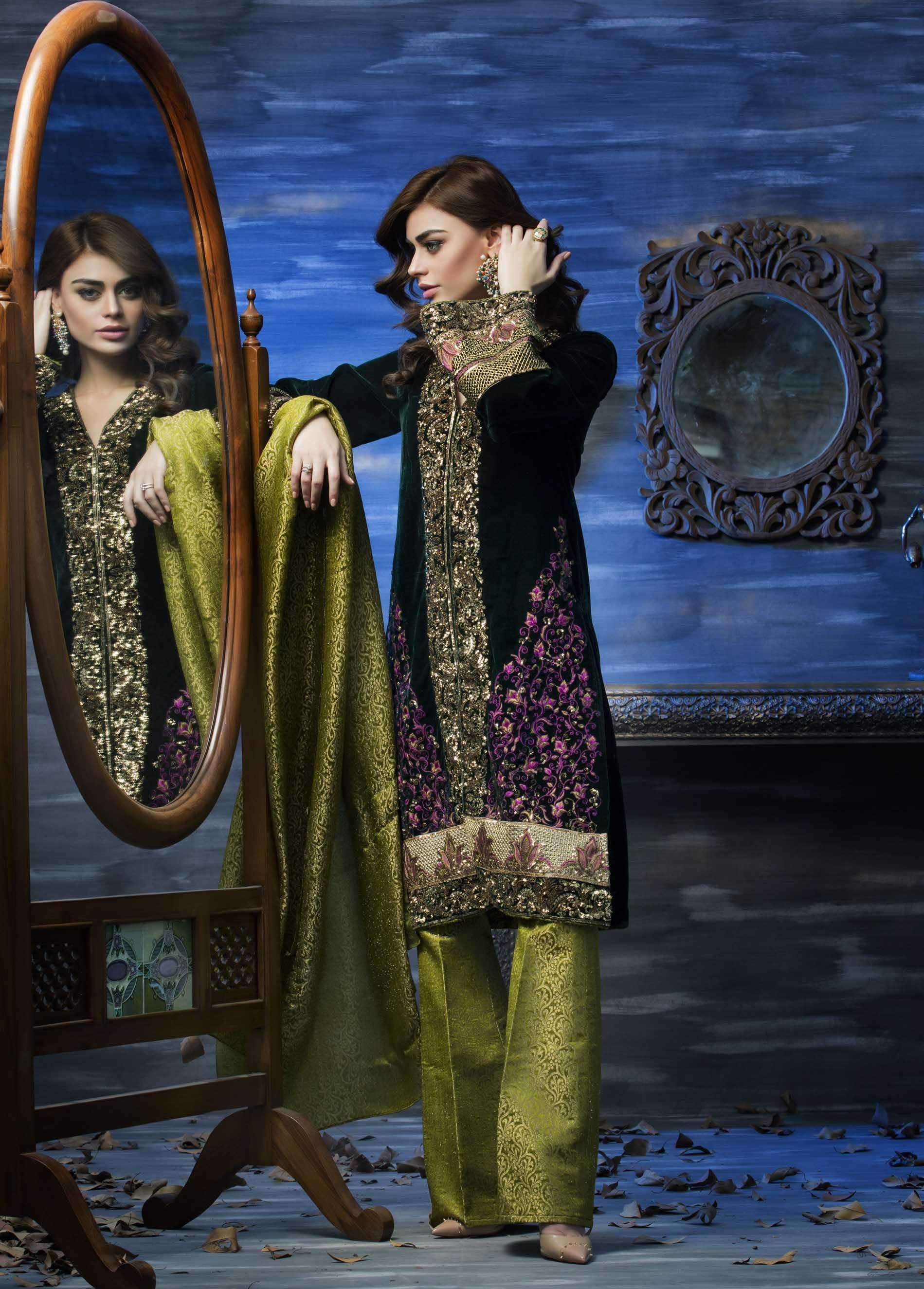 Aamna Aqeel Embroidered Velvet Unstitched 3 Piece Suit AAV17W 04