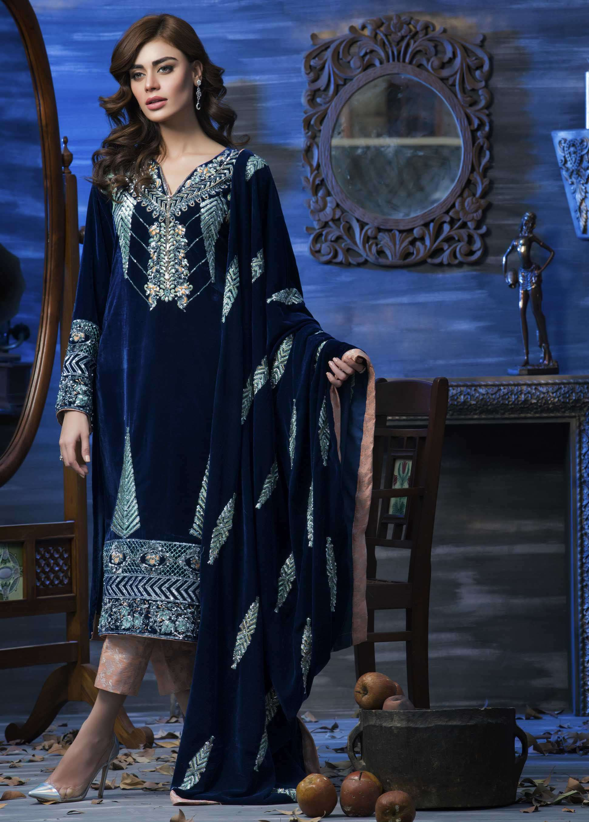 Aamna Aqeel Embroidered Velvet Unstitched 3 Piece Suit AAV17W 05