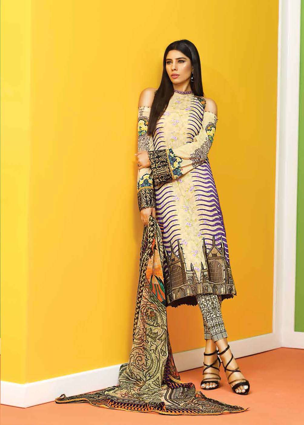 Asim Jofa Embroidered Lawn Unstitched 3 Piece Suit AJ17E 5A