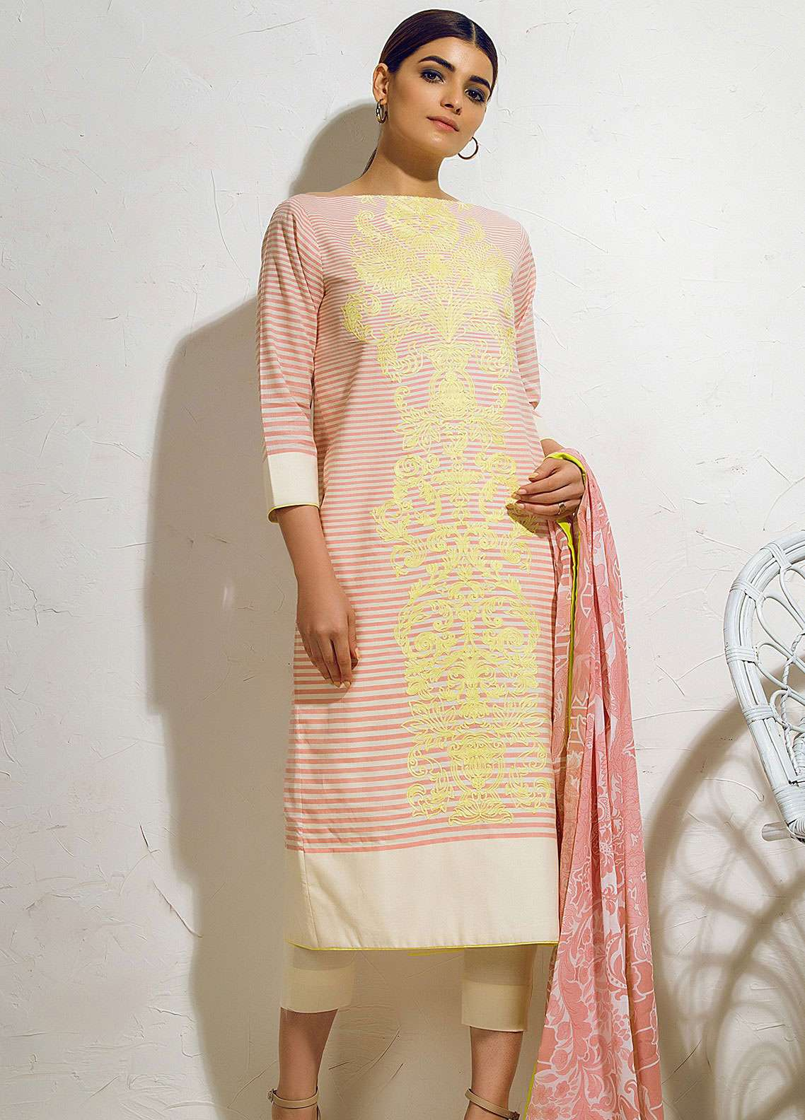 Al Karam Embroidered Lawn Unstitched 3 Piece Suit AK19L SS-36.1-19 Pink - Spring / Summer Collection