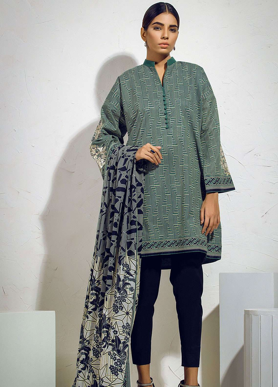 Al Karam Embroidered Lawn Unstitched 3 Piece Suit AK19L SS-39.1-19 Green - Spring / Summer Collection