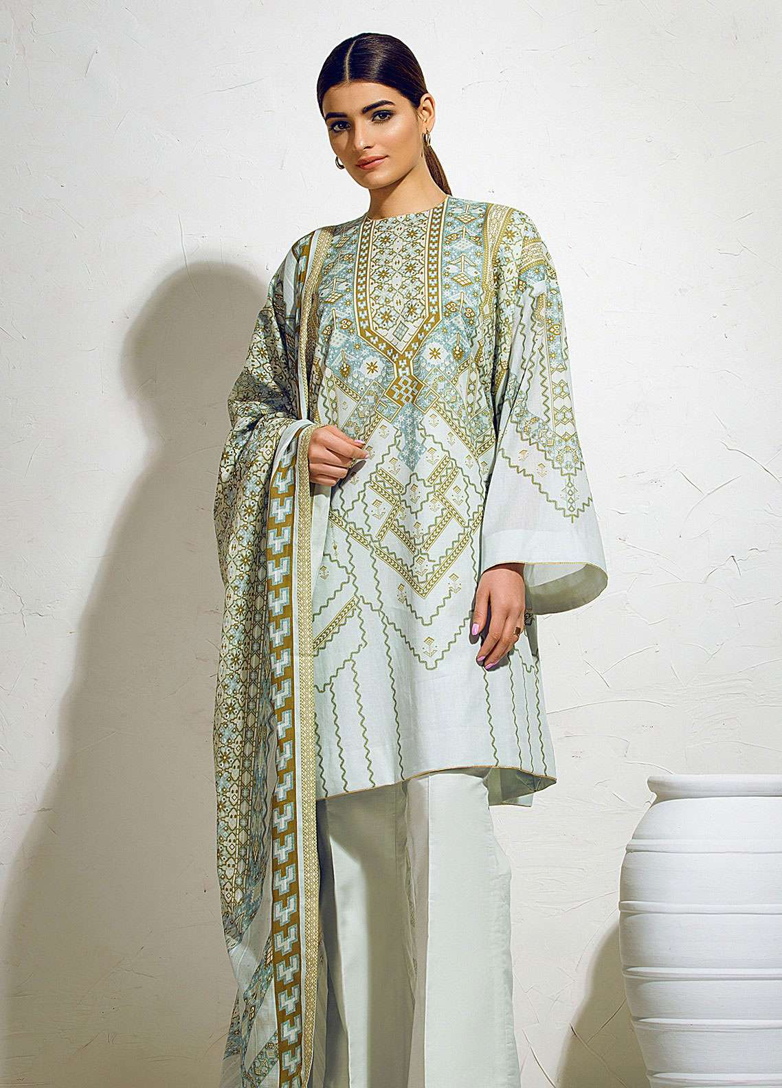 Al Karam Printed Lawn Unstitched 3 Piece Suit AK19L SS-17-19 Green - Spring / Summer Collection