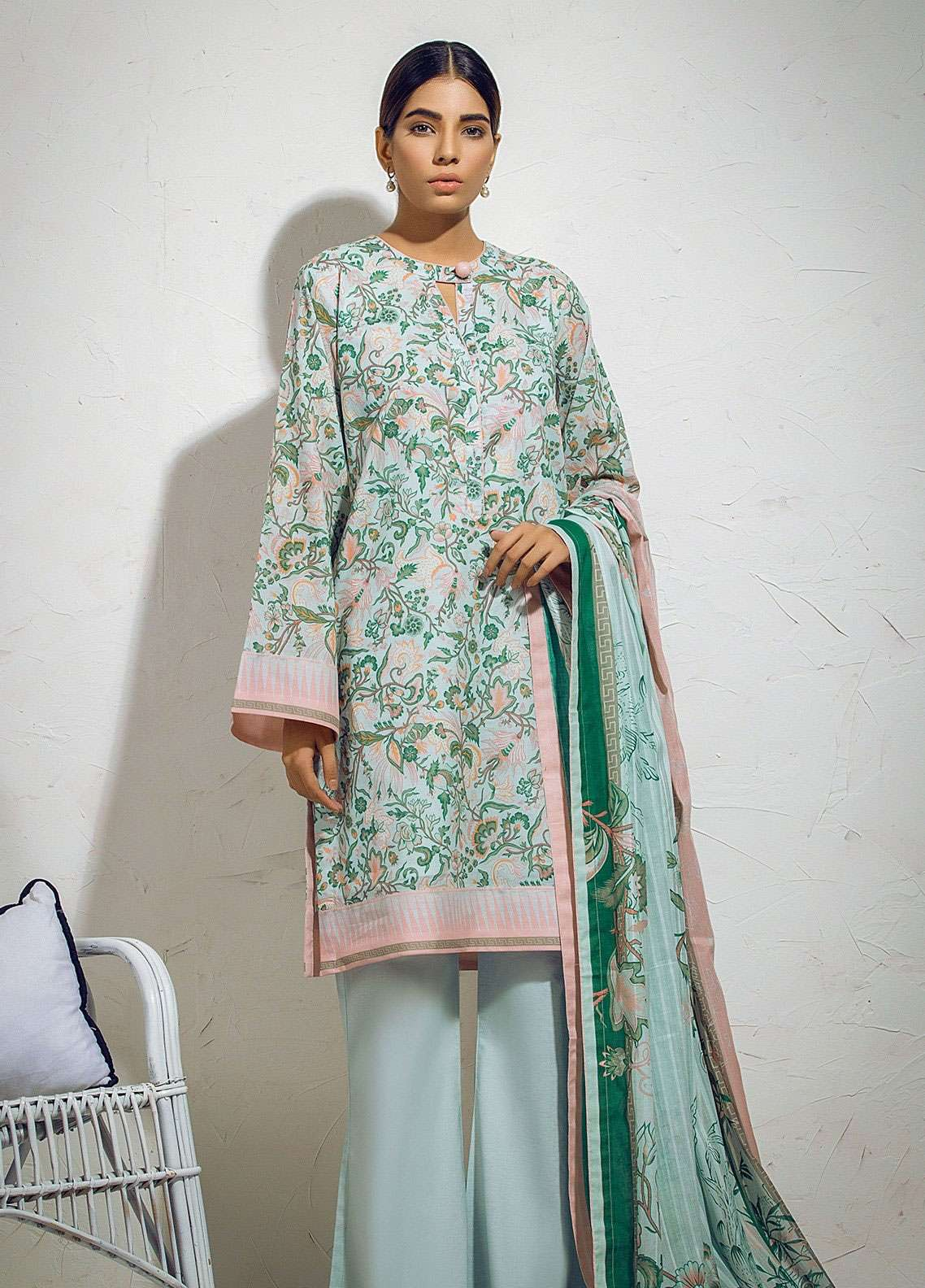 Al Karam Printed Lawn Unstitched 3 Piece Suit AK19L SS-18.1-19 Green - Spring / Summer Collection