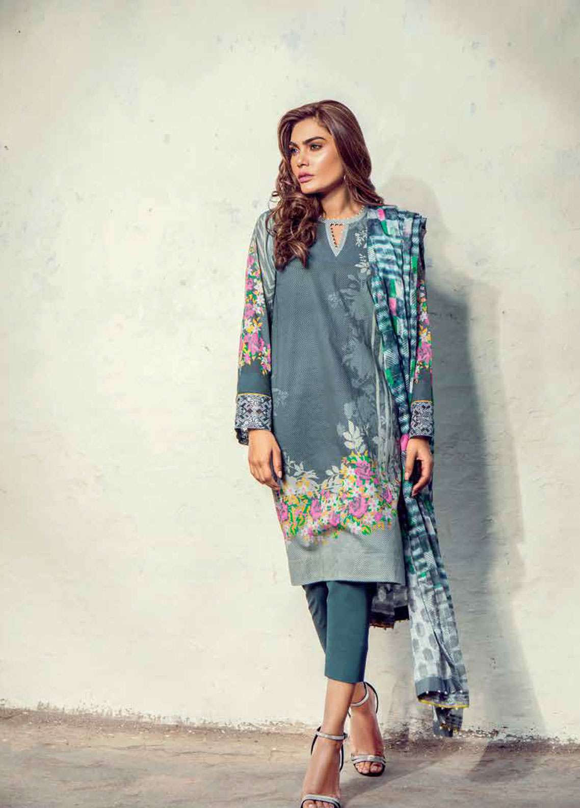 Al Karam Embroidered Lawn Unstitched 3 Piece Suit AK19L SS-11-19 Grey - Spring / Summer Collection