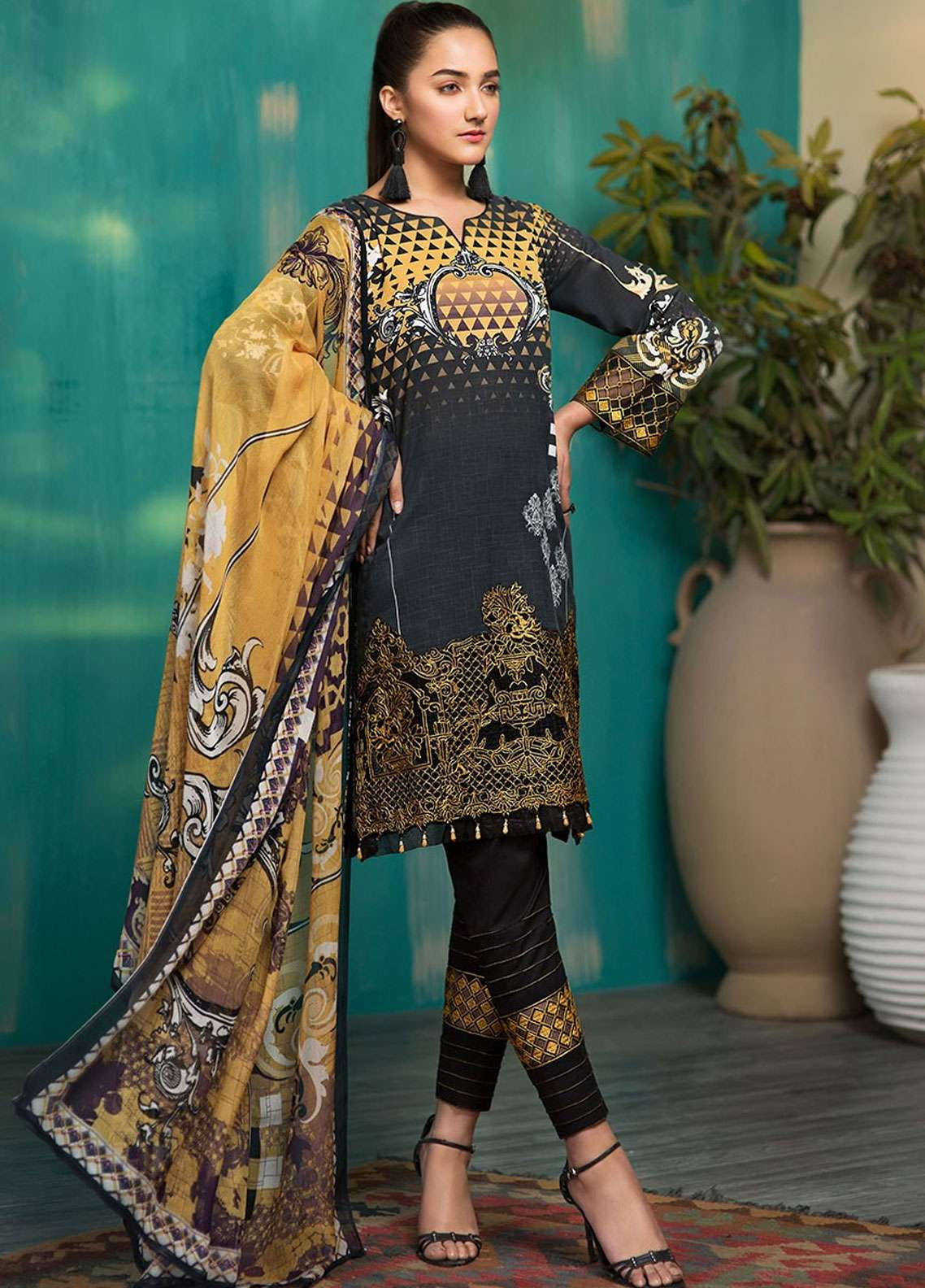 Arena by Mohagni Digital Embroidered Lawn Unstitched 3 Piece Suit AMO19L 07 - Spring / Summer Collection