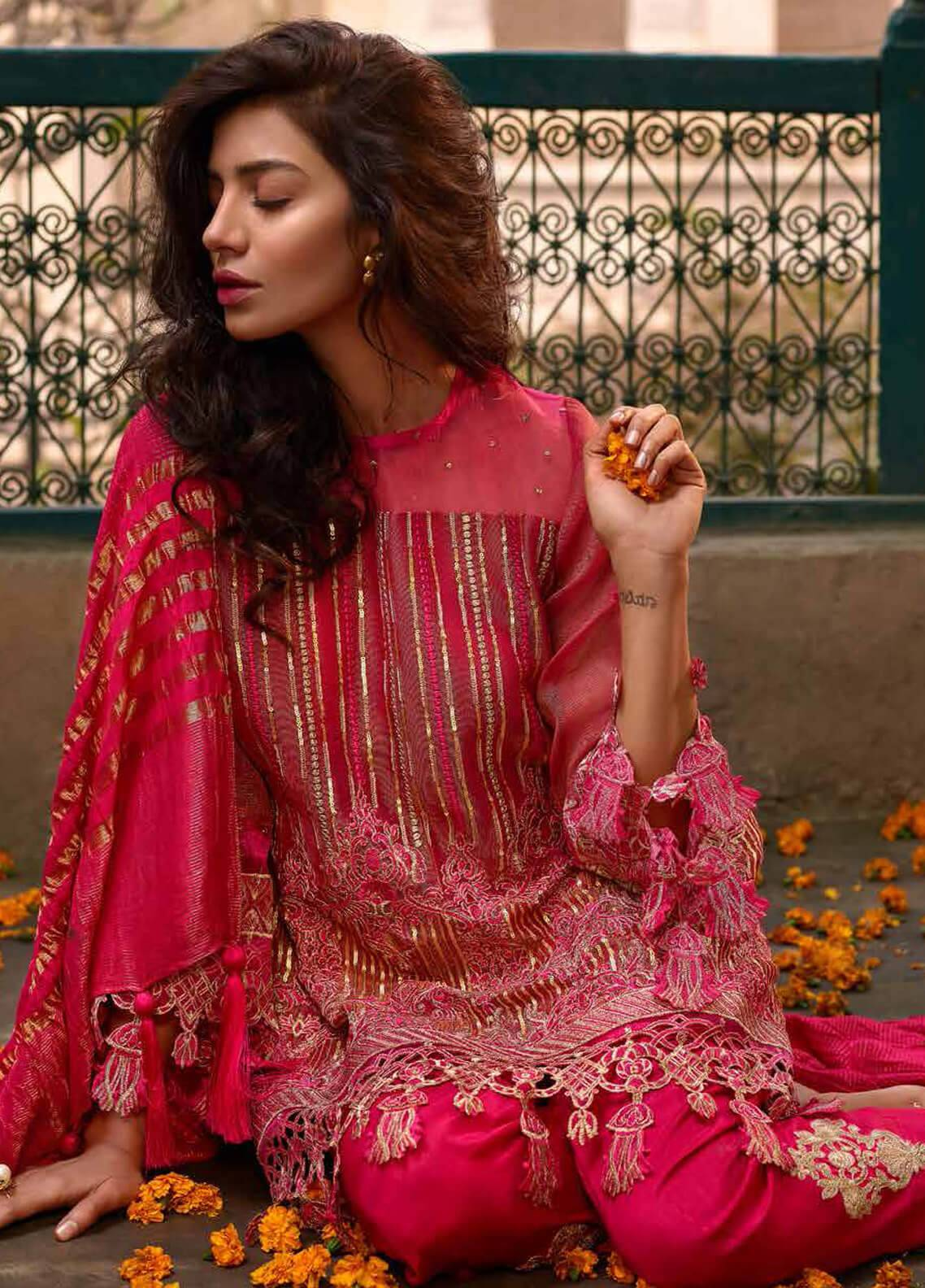 748d8831d4 Banaras ki Bano Luxury Unstitched 2019 Collection | Buy Banaras ki ...