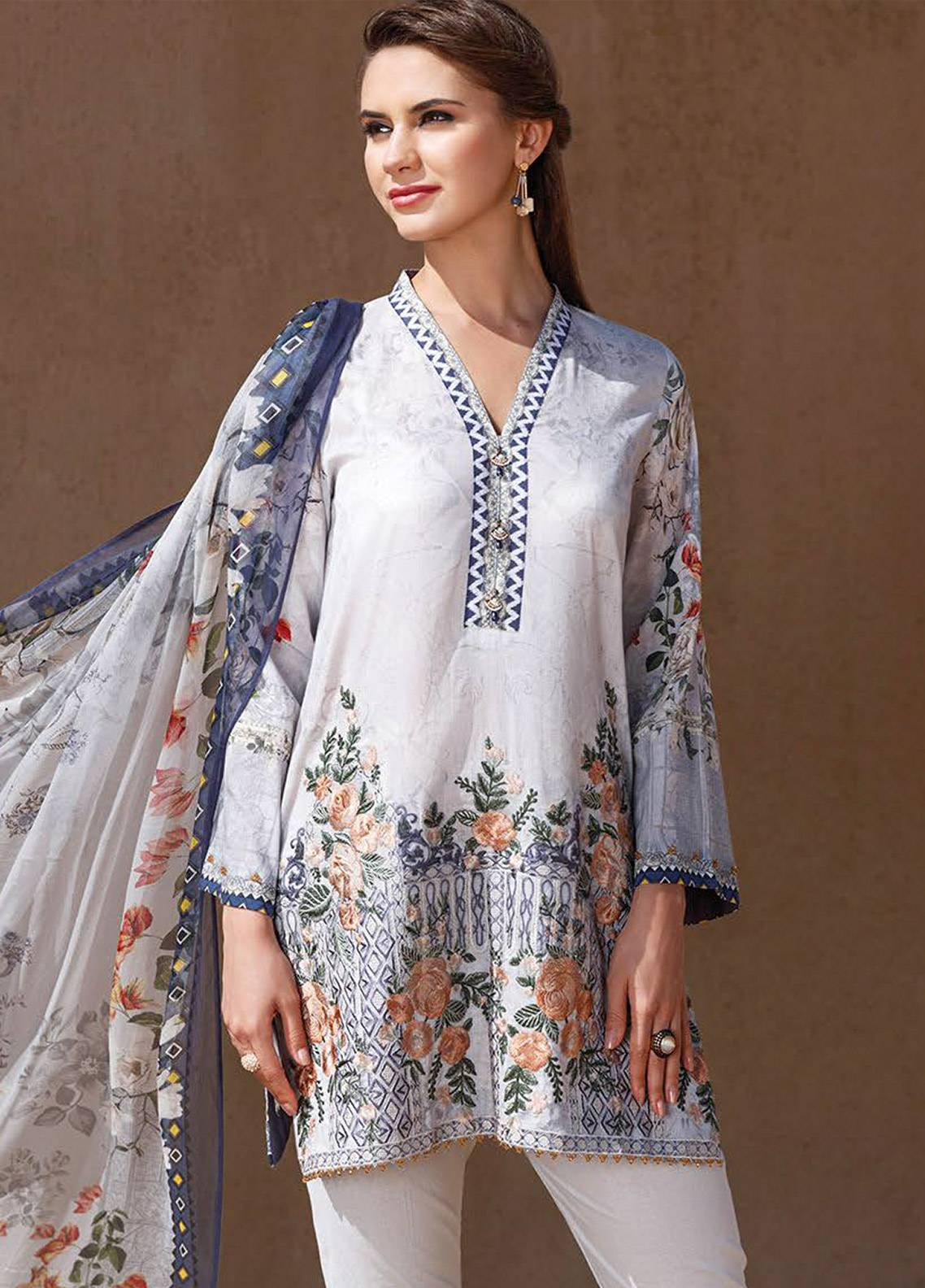 0a3fa1c1a7ea5 Fuchsia Baroque Embroidered Lawn Unstitched 3 Piece Suit BQ18-L2 10 -  Summer Collection