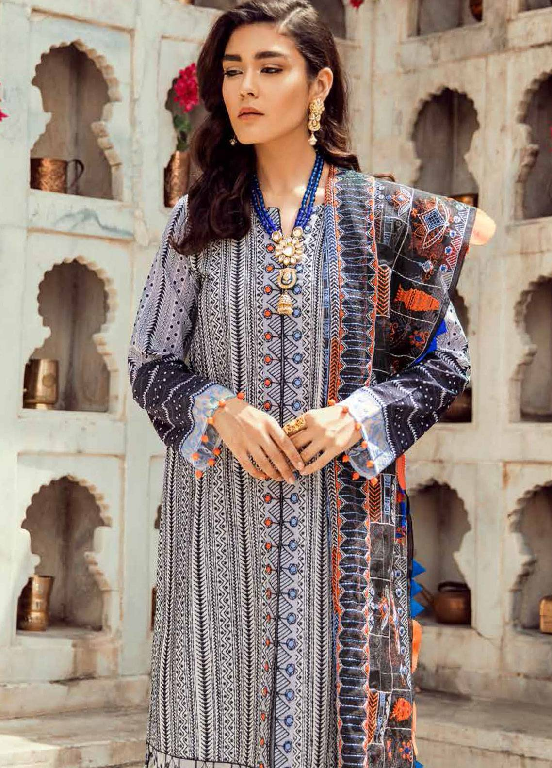 Cross Stitch Embroidered Lawn Unstitched 3 Piece Suit CS19E 03 KACHA TANKA - Eid Collection