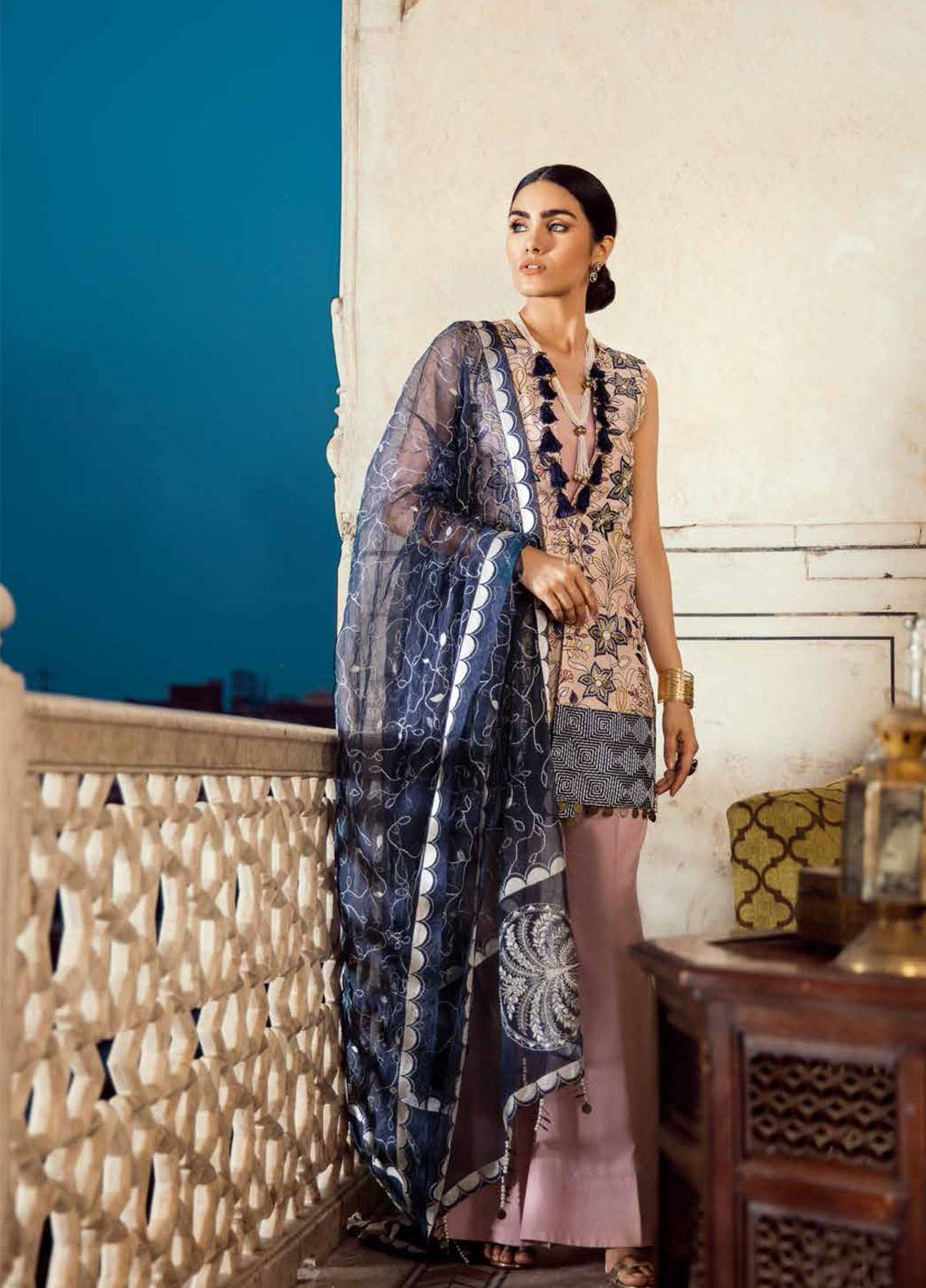 90883e2d6e Cross Stitch Embroidered Lawn Unstitched 3 Piece Suit CS19E 04 SILVER PINK  - Eid Collection