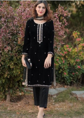 Sidra Mumtaz Embroidered Velvet Stitched 2 Piece Suit SM20PB 02 Black Rose