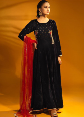 Sidra Mumtaz Embroidered Velvet Stitched 3 Piece Suit HACKMANITE NAVY BLUE