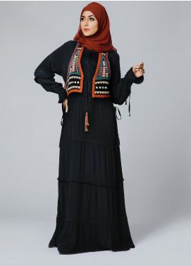 Spinzar Formal Crepe Stitched Abaya Ornate Black
