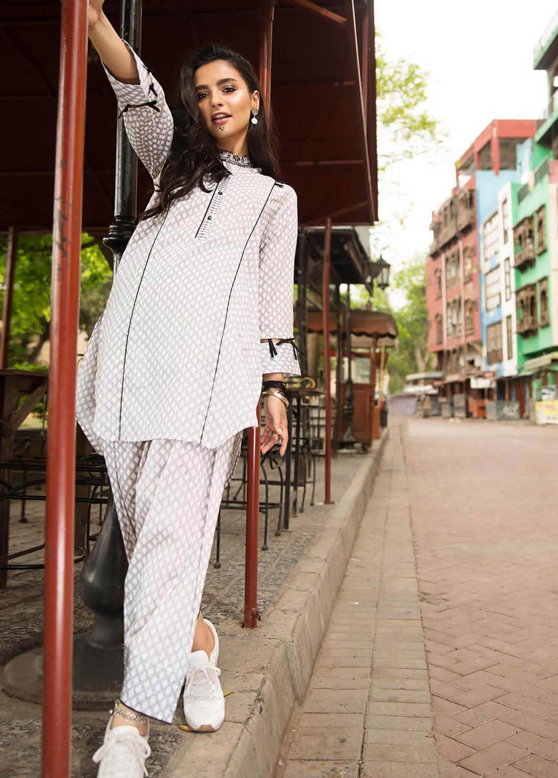 Edenrobe Embroidered Cotton Stitched 2 Piece Suit 066836