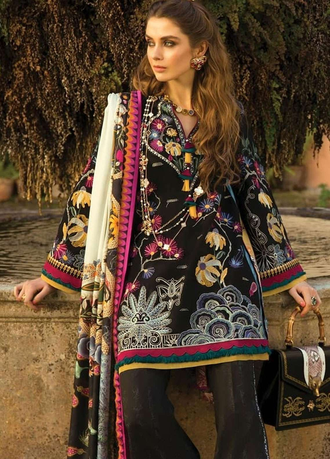 Elan Embroidered Lawn Unstitched 3 Piece Suit EL19L 10A FANTASIA - Spring / Summer Collection