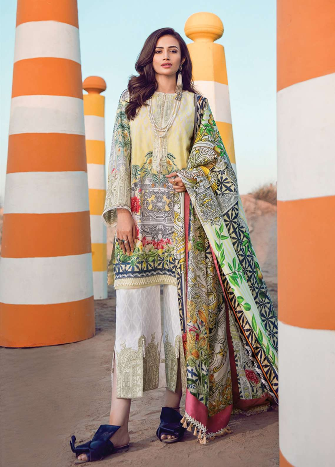 Epoque By Sana Yasir Embroidered Lawn Unstitched 3 Piece Suit EP18L 07 - Spring / Summer Collection