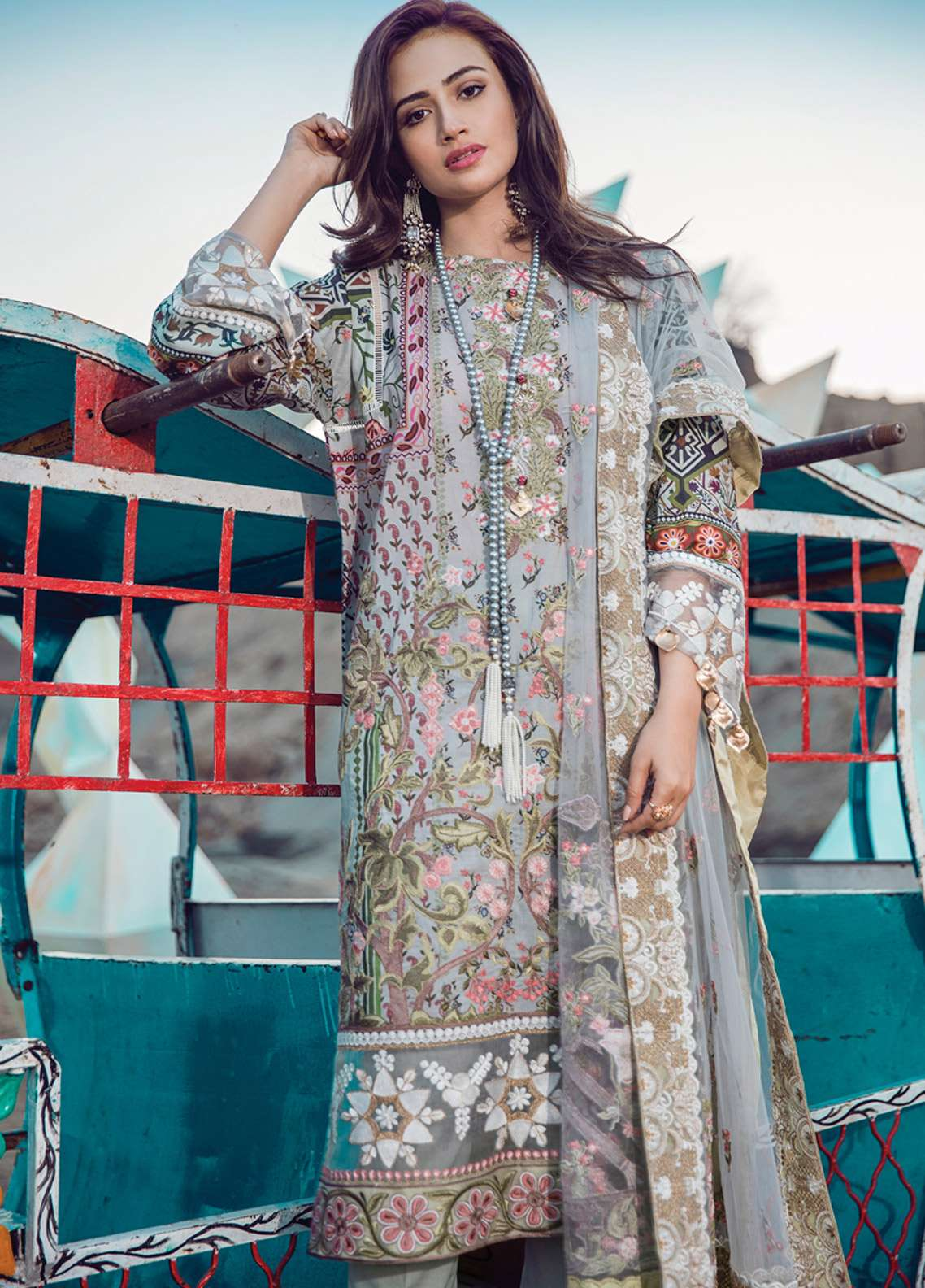 Epoque By Sana Yasir Embroidered Lawn Unstitched 3 Piece Suit EP18L 09 - Spring / Summer Collection