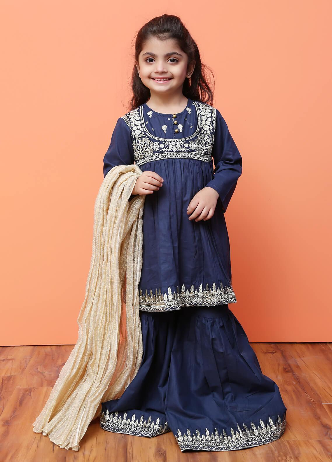 701c0215f0 Girls Suits & Kurtis Ethnic Wear Collection Online in Pakistan ...