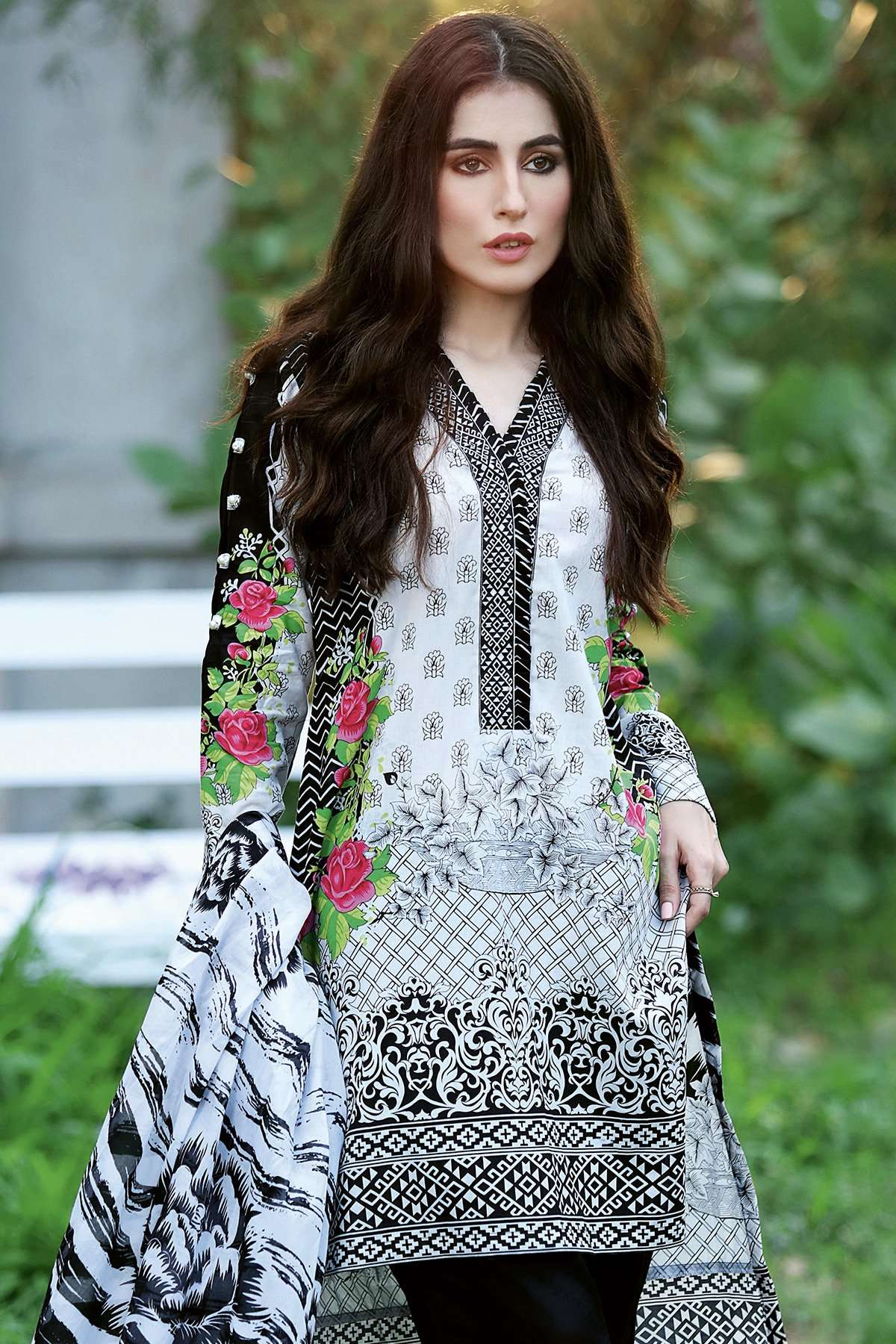Gul Ahmed Printed Lawn Unstitched 3 Piece Suit GL17B 24