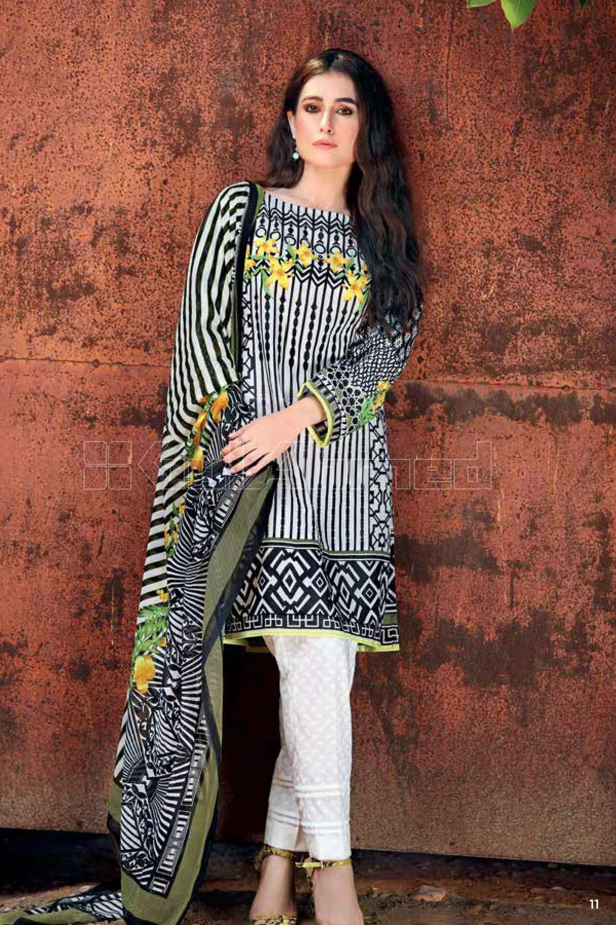 Gul Ahmed Printed Lawn Unstitched 3 Piece Suit GL17B 26
