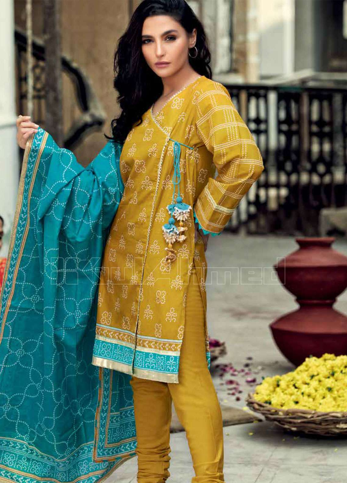 6661f36713 Gul Ahmed Embroidered Lawn Unstitched 3 Piece Suit GAE19L CL-587 B - Spring  / Summer Collection