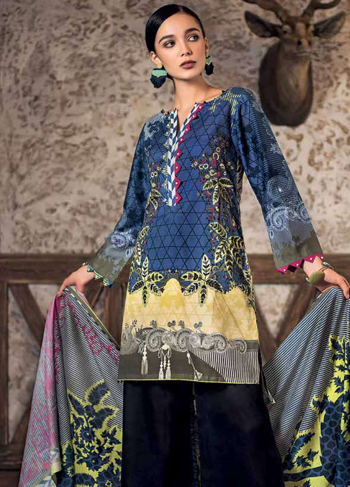 a91ea05925 Gul Ahmed Printed Cotton Unstitched 2 Piece Suit GA18W TCD11B - Winter  Collection