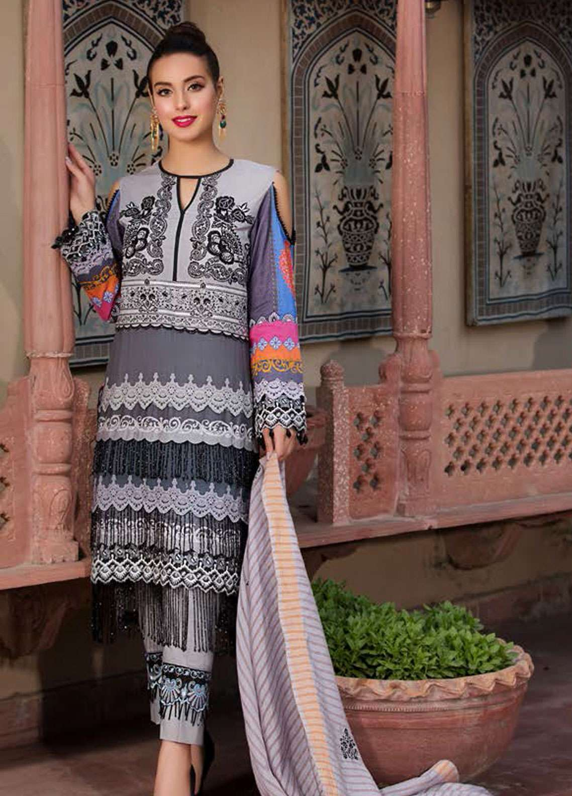 b1885e5296 Kross Kulture Embroidered Lawn Unstitched 3 Piece Suit KK19L 05 CHANDELLE -  Spring / Summer Collection