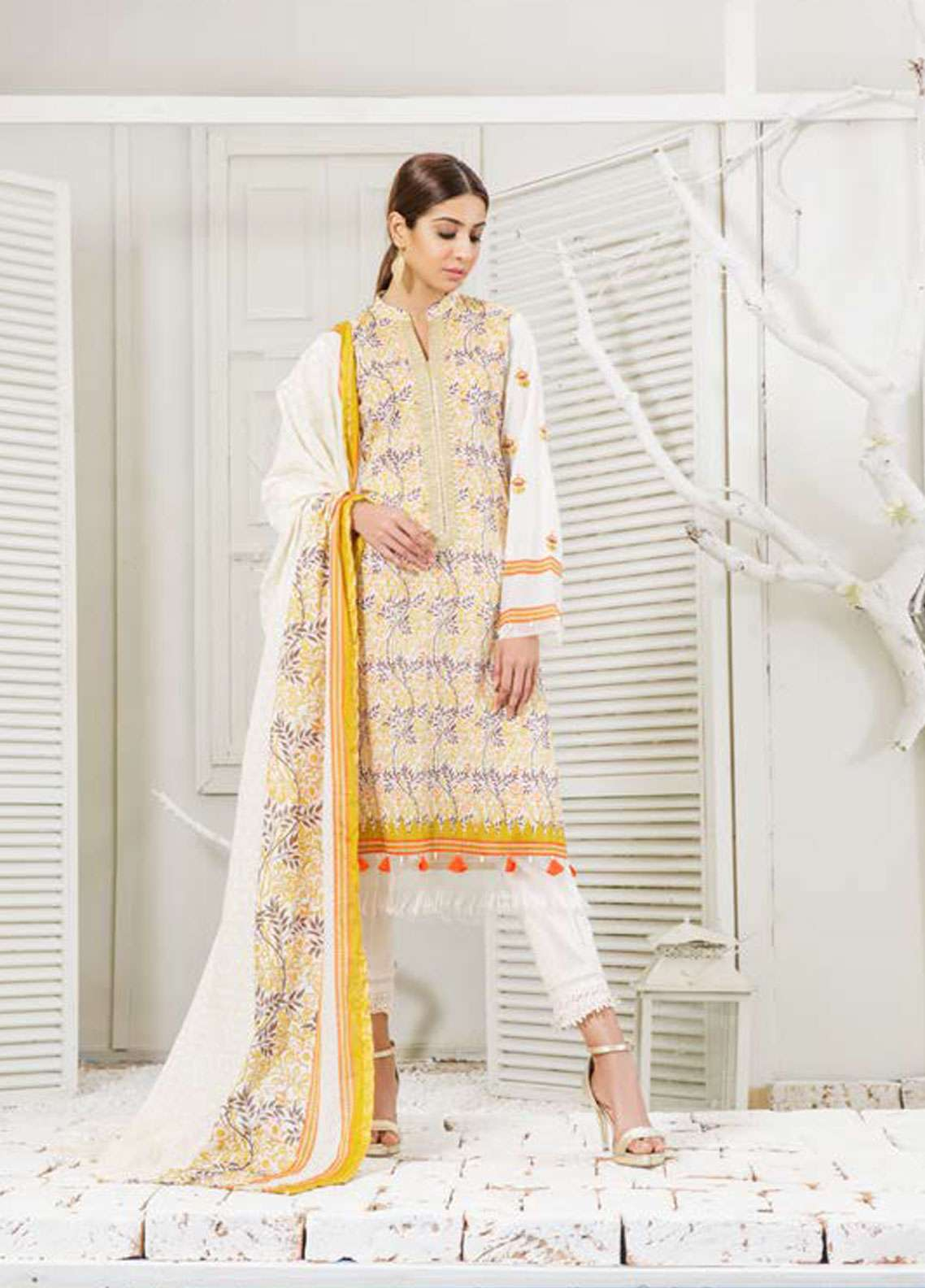 Orient Textile Embroidered Lawn Unstitched 3 Piece Suit OT19-L2 117 A - Spring / Summer Collection