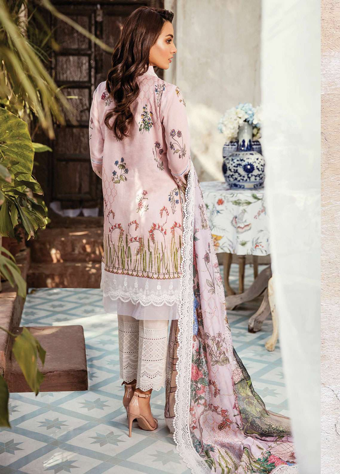1333ce686f Qalamkar Embroidered Lawn Unstitched 3 Piece Suit QDH19LC 08 Orkideh - Luxury  Lawn Collection