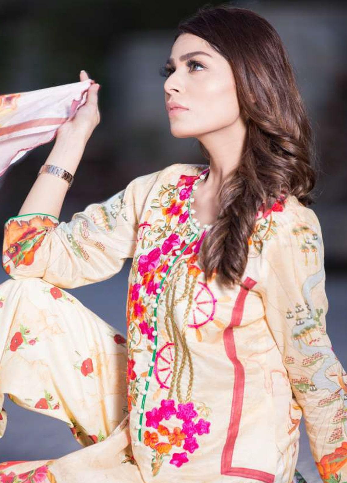Rabea By Shariq Textiles Embroidered Lawn Unstitched 3 Piece Suit RBA19L 01 - Spring / Summer Collection