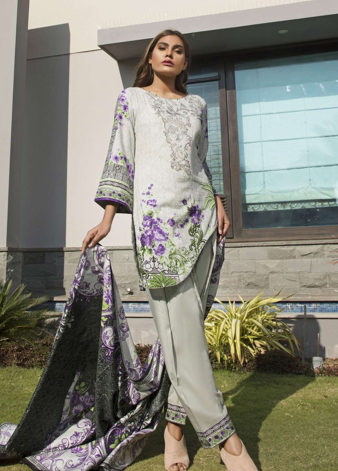 Rangreza Embroidered Lawn Unstitched 3 Piece Suit RZS19L 02A - Spring / Summer Collection