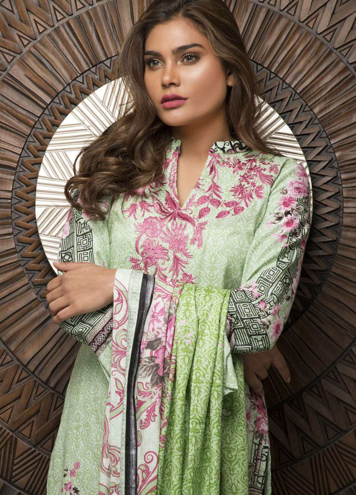 Rangreza Embroidered Lawn Unstitched 3 Piece Suit RZS19L 02B - Spring / Summer Collection
