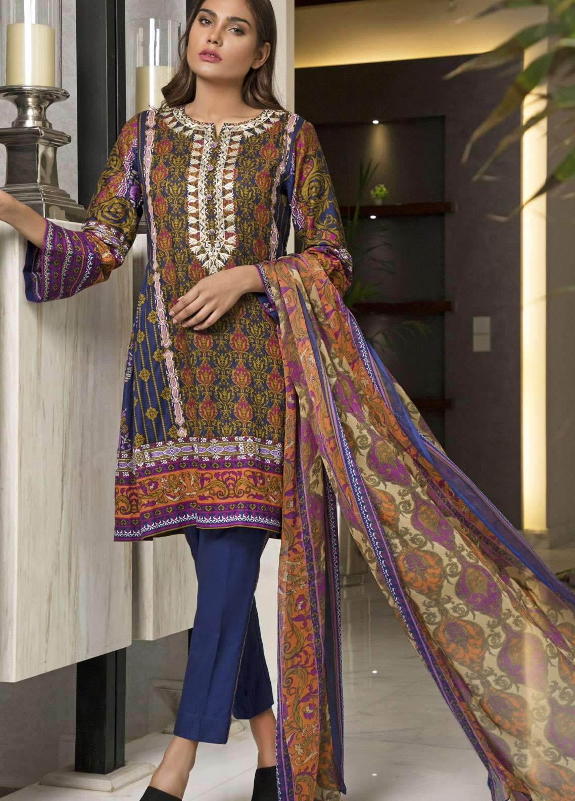 Rangreza Embroidered Lawn Unstitched 3 Piece Suit RZS19L 05A - Spring / Summer Collection