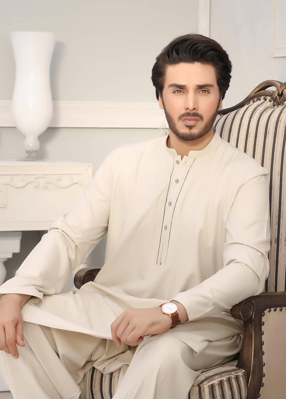 Safeer by Edenrobe EMUB18-GLORIOUS Blended Unstitched Men's Kameez Shalwar Fabric