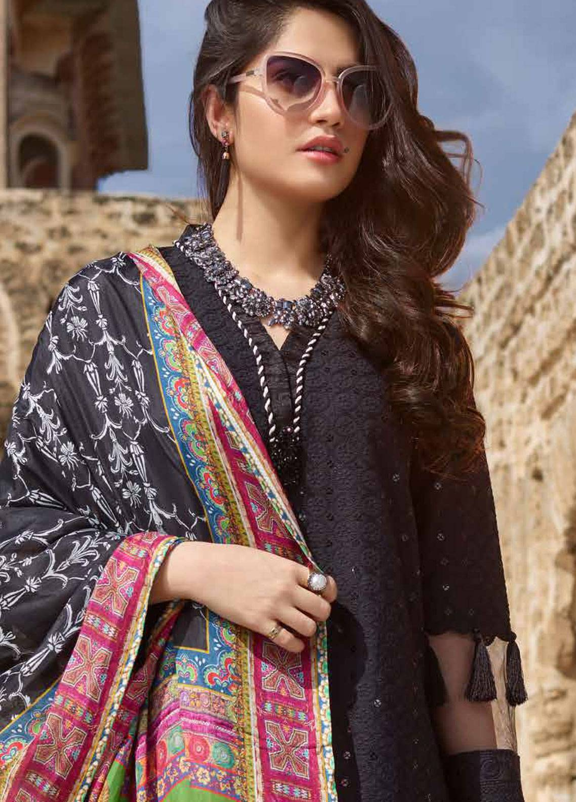 4707bb11b4 Sakura by Noor Textiles Embroidered Lawn Unstitched 3 Piece Suit SK19SC 06S  - Spring / Summer Collection
