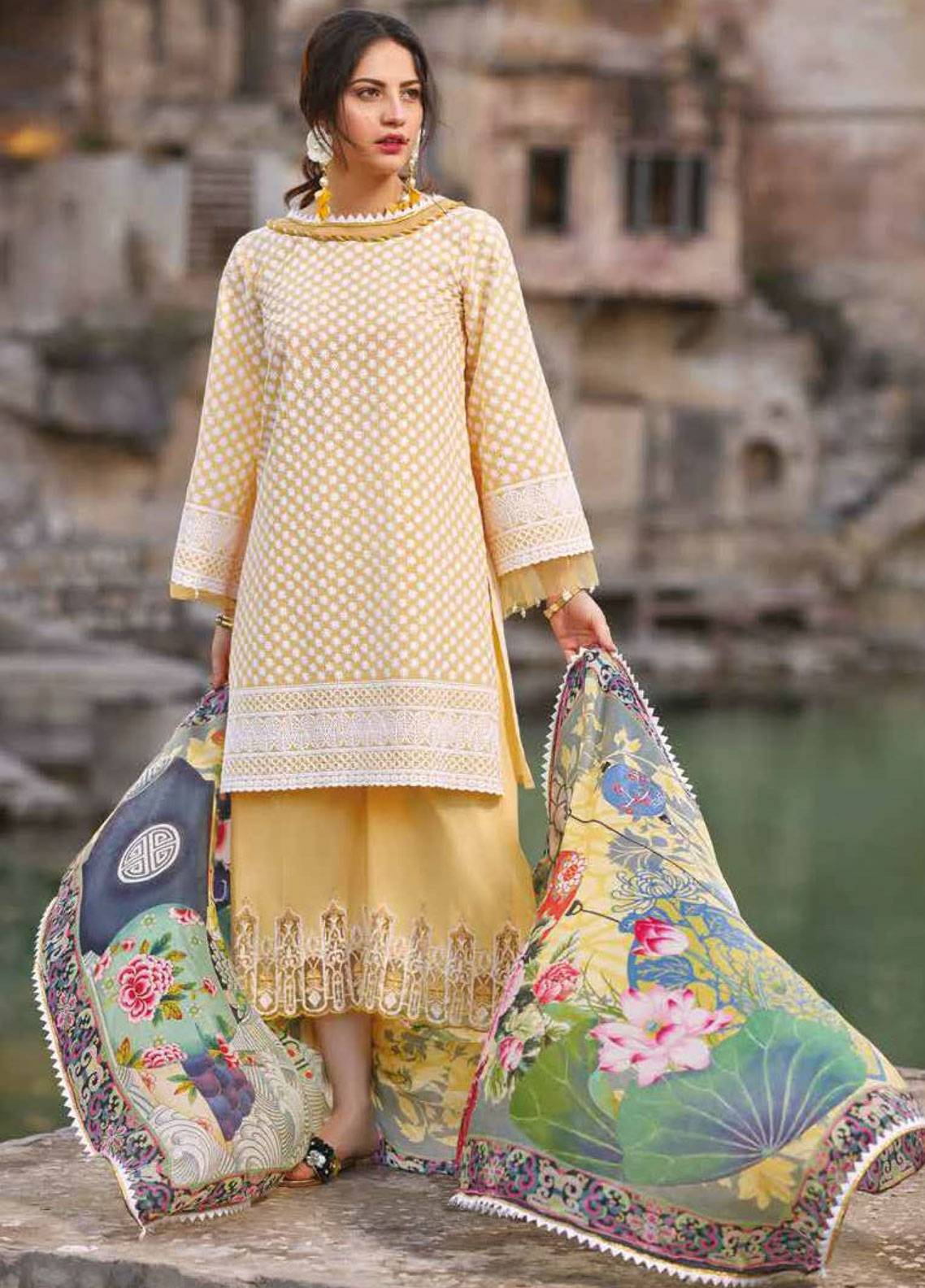 8a568e9480 Sakura by Noor Textiles Embroidered Lawn Unstitched 3 Piece Suit SK19SC 07S  - Spring / Summer Collection
