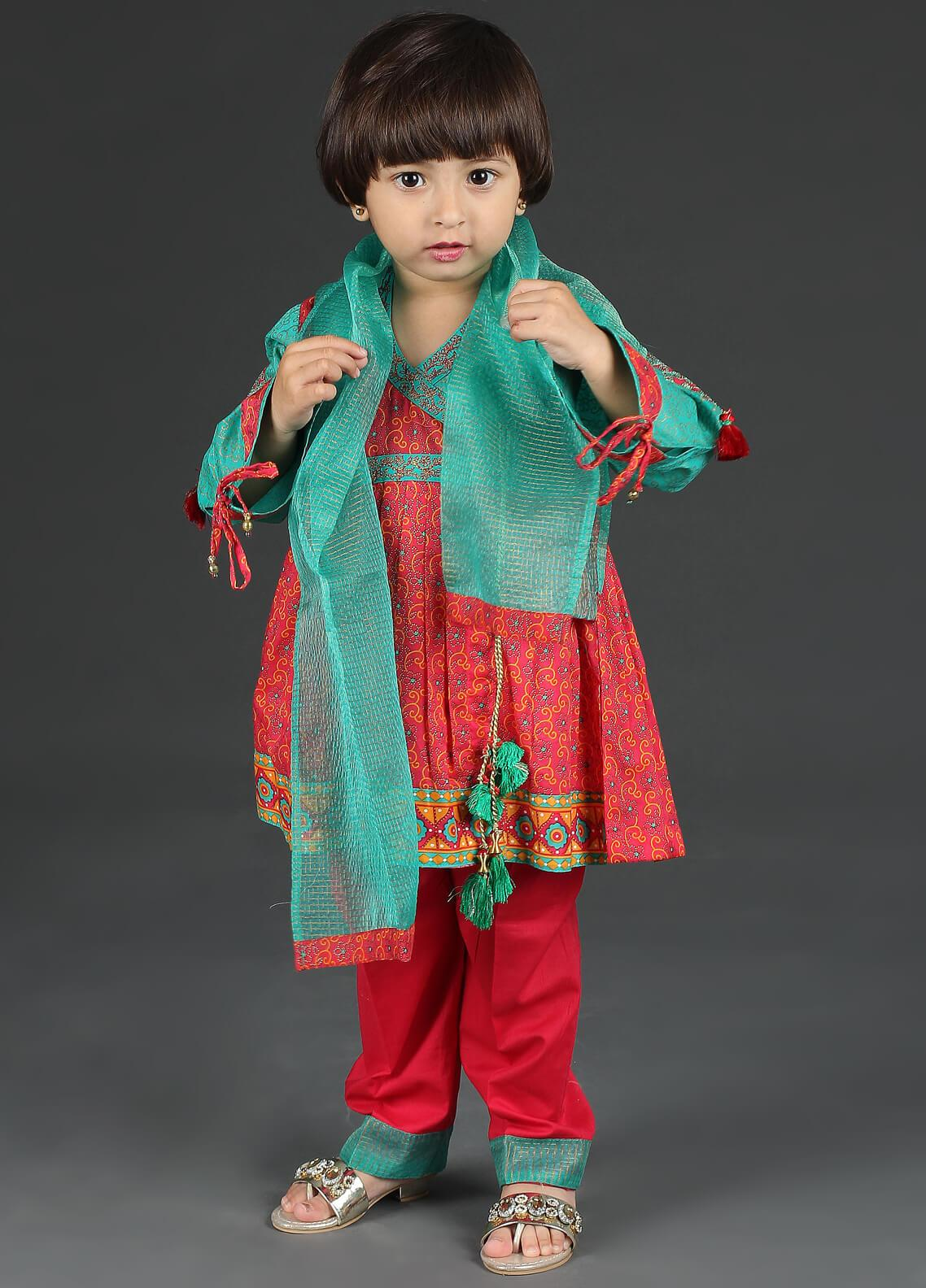 579c2a336c Girls Suits & Kurtis Ethnic Wear Collection Online in Pakistan ...