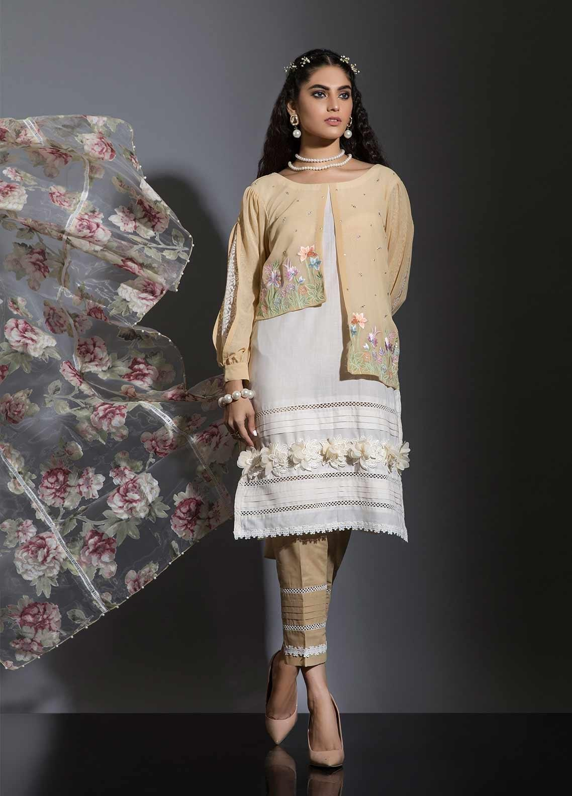 Sidra Mumtaz Embroidered Lawn Stitched 3 Piece Suit GHASHANG