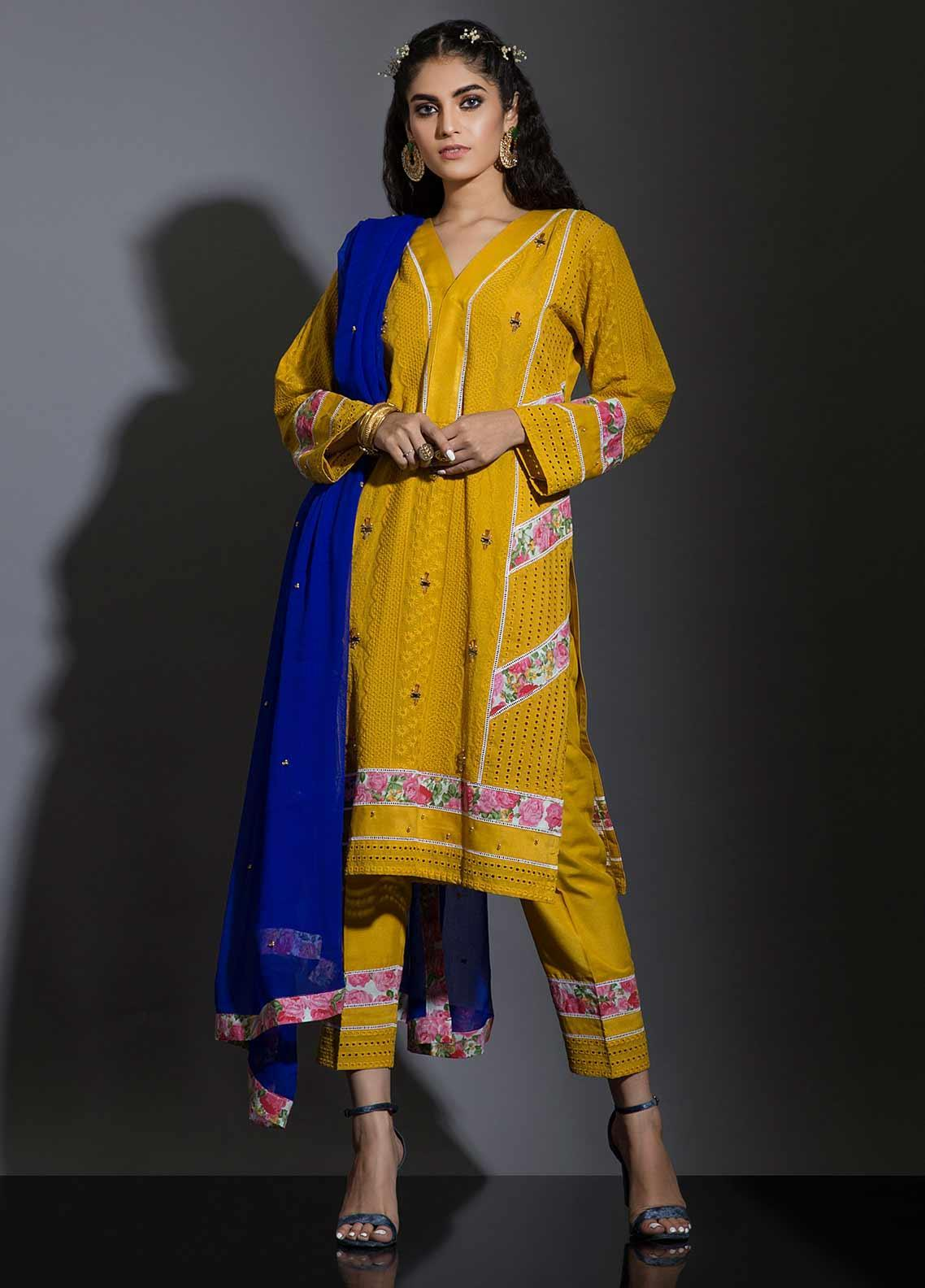Sidra Mumtaz Embroidered Schiffli Stitched 3 Piece Suit SANOBER