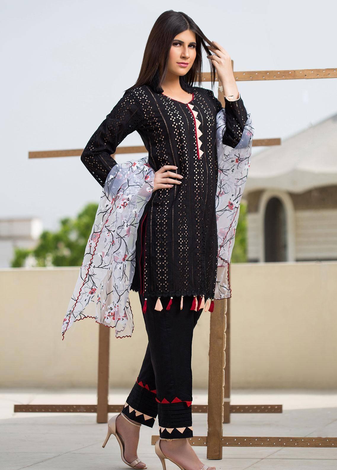 Sidra Mumtaz Embroidered Schiffli Stitched 3 Piece Suit CHARCOAL