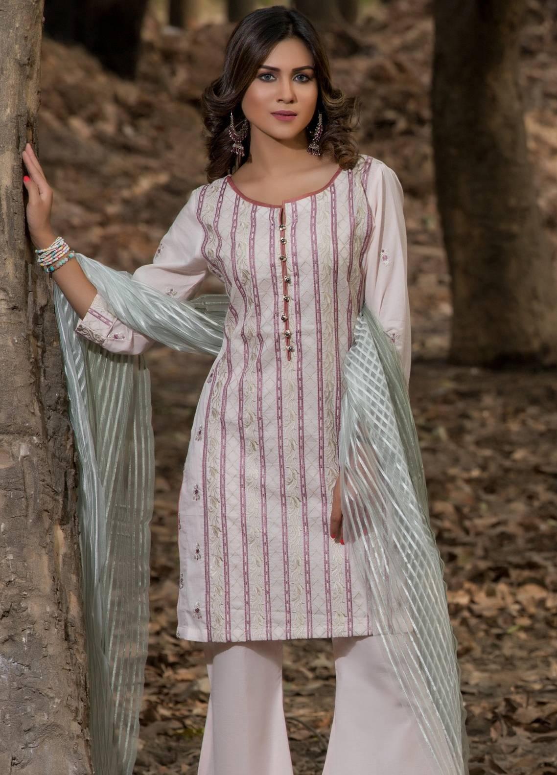 b4594b5334 Sahil by ZS Textiles Embroidered Lawn Unstitched 3 Piece Suit SL18-L5 08 -  Eid Collection