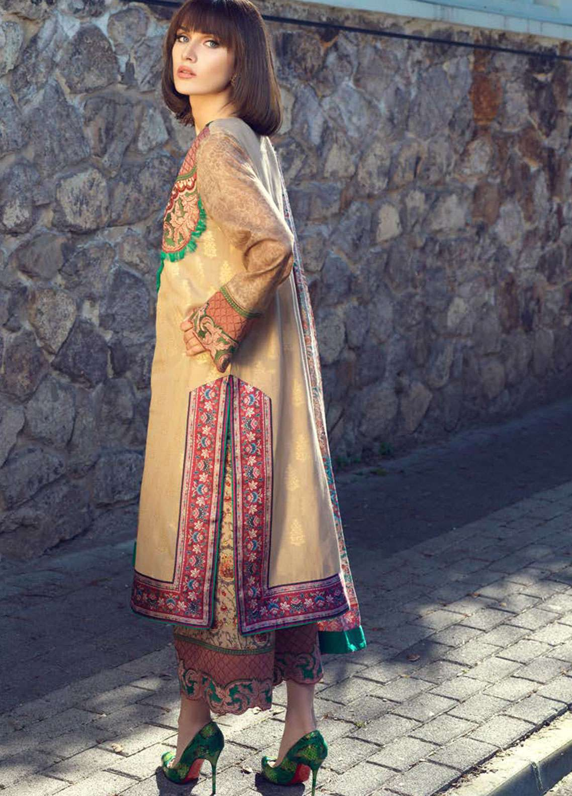 8db417591c Tena Durrani: Tena Durrani Lawn 2019 Collection - Unstitched Formal ...
