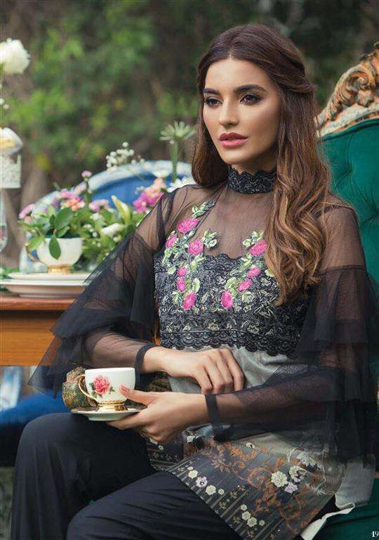 Tabassum Mughal Embroidered Lawn Unstitched 3 Piece Suit TM17E2 5B