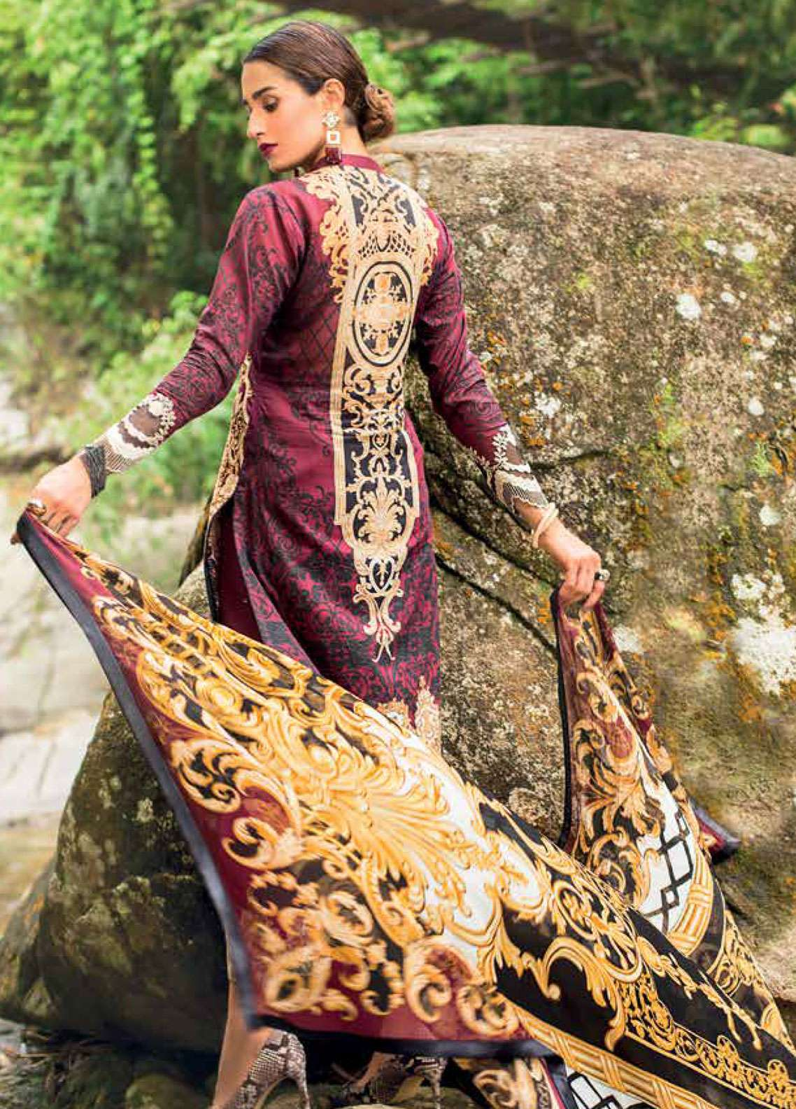 596023f6be ... Zainab Chottani Embroidered Lawn Unstitched 3 Piece Suit ZC19L 1A VICTORIAN  FRESCO - Spring / Summer Collection. Next > · hover