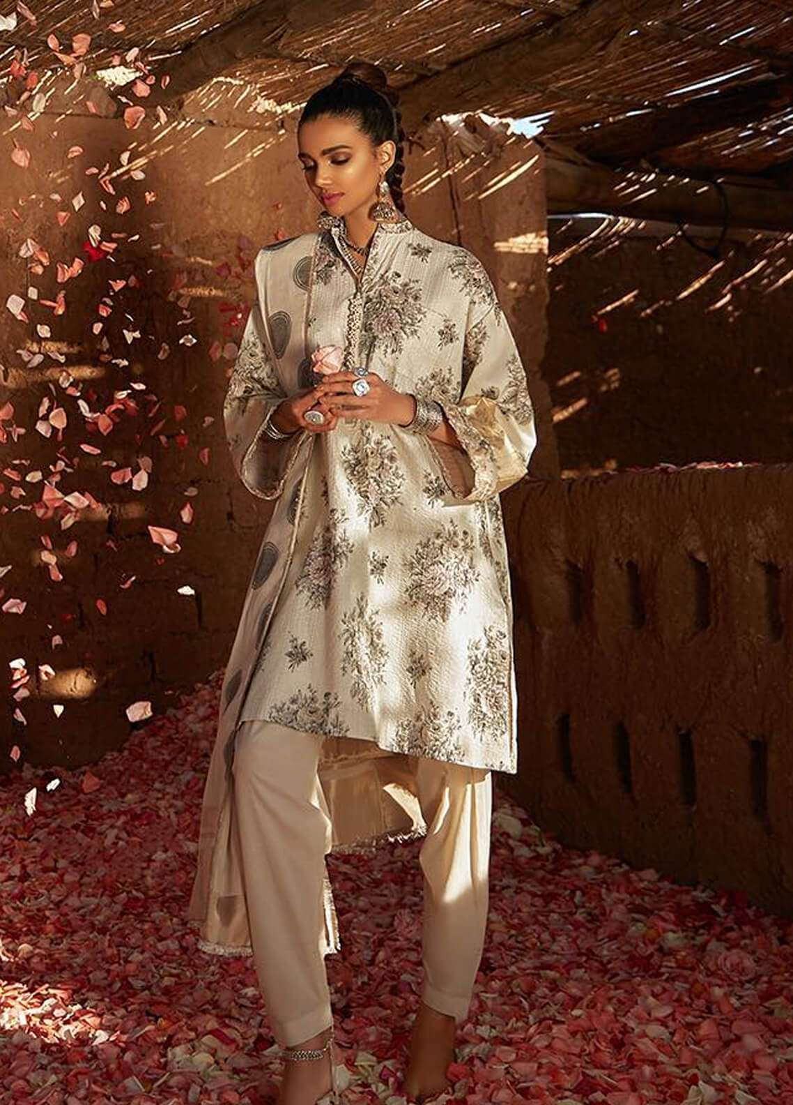 Zara Shahjahan Embroidered Lawn Unstitched 3 Piece Suit ZSJ19L KANTHA A - Spring / Summer Collection