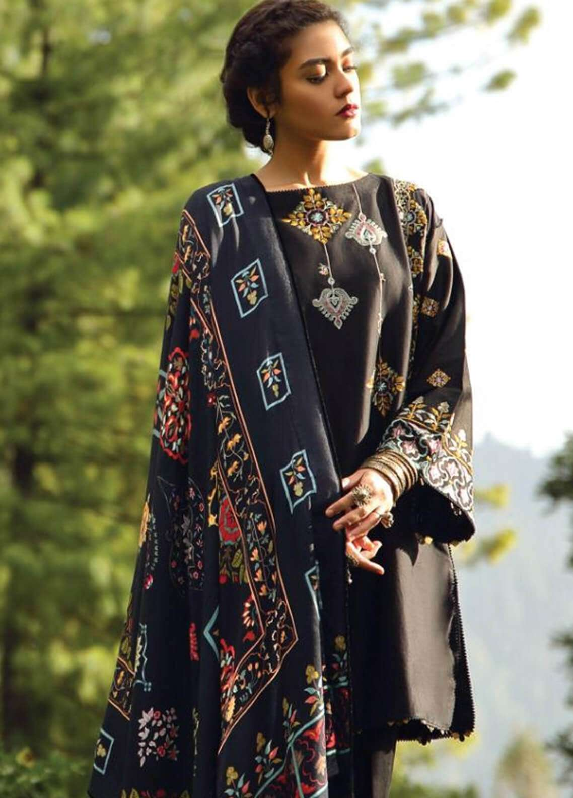 Zara Shahjahan Embroidered Karandi Unstitched 3 Piece Suit ZS18W BARAN - Winter Shawl Collection