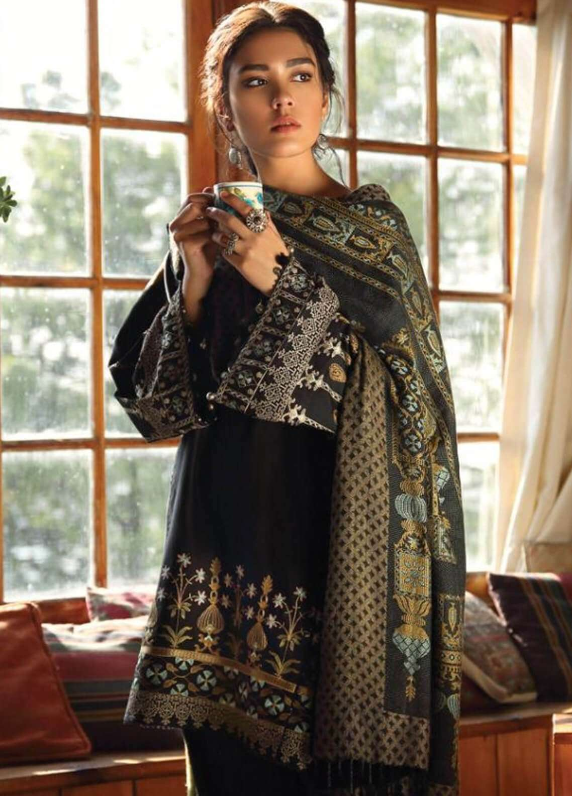 Zara Shahjahan Embroidered Karandi Unstitched 3 Piece Suit ZS18W CHASHAM - Winter Shawl Collection